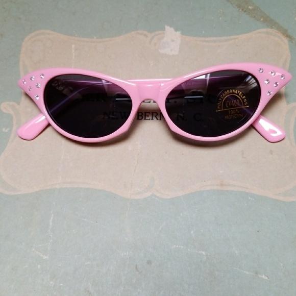ff43a848f23 Cat Eye Sunglasses Rhinestone 50s Retro Style